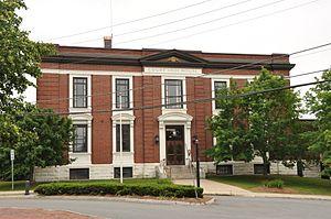 Hillsborough County Registry of Deeds - Image: Nashua NH Hillsborough County Courthouse