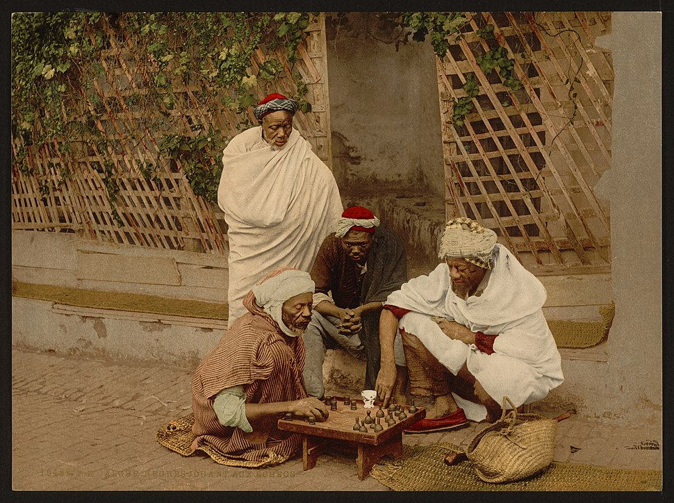 Negroes playing chess, Algiers, Algeria-LCCN2001697845