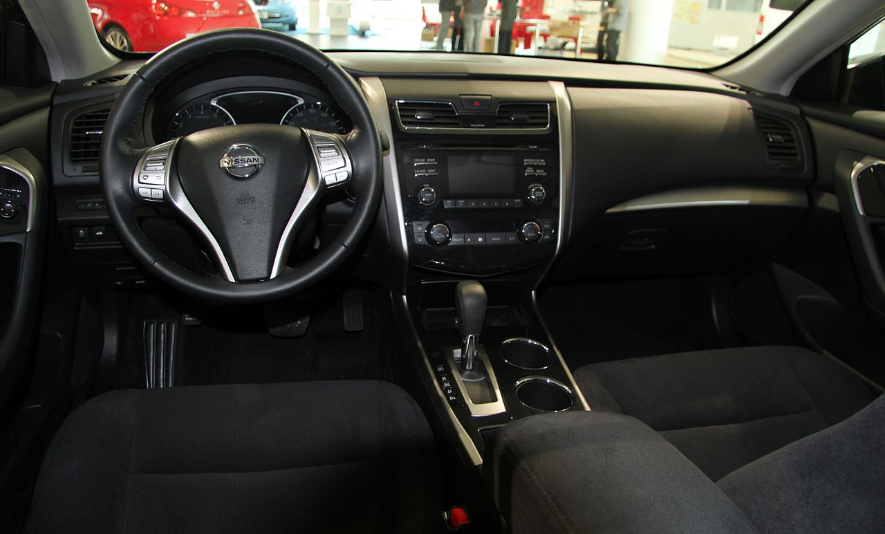 File Nissan Altima 2 5sv Interior Jpg Wikimedia Commons