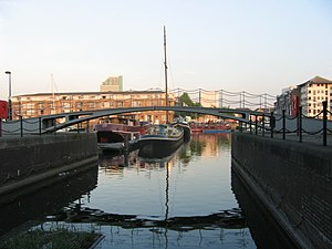 Grand Surrey Canal - The Norway Cut swing bridge crosses a channel from Greenland Dock to the closed Norway dock