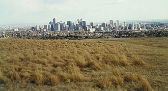 Nose Hill Park - Image: Nose Hill +downtown