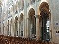 Noyon (60), cathédrale Notre-Dame, nef, grandes arcade du sud, vue diagonale vers le su-est.jpg