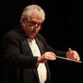 OSQ Spring 2010 - Maestro Close conducting.jpg