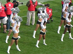 Oakland Raiderettes at Falcons at Raiders 11-2-08 01.JPG