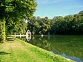 Ognon (60), parc d'Ognon, miroir d'eau, vue vers l'embarcadère.jpg