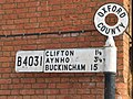 Old road sign in Deddington - geograph.org.uk - 971069.jpg