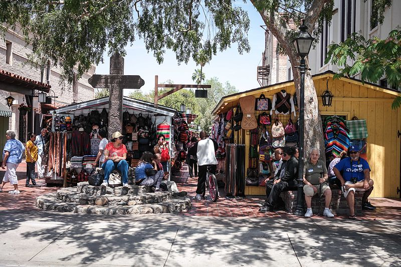 File:Olvera Street, Los Angeles-1.jpg