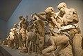 Olympia, Archäologisches Museum, Zeustempel, Westgiebel 2015-09 (3).jpg