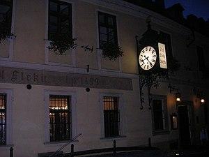 U Fleků - A night view of the facade.