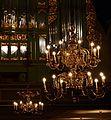 Oslo domkirke lysekroner og orgel CROP.jpg