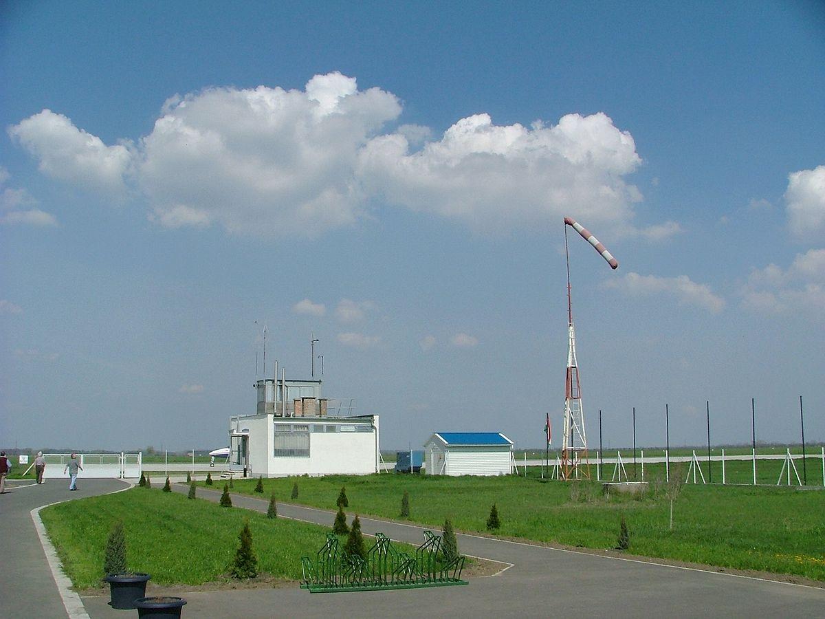 Aeroporto Ungheria : Aeroporto di győr pér wikipedia