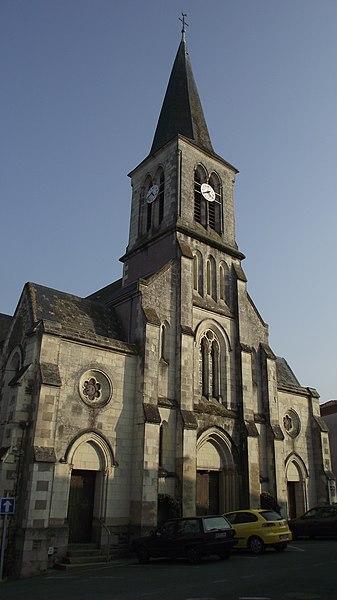 Péron de l'église de Montrevault (Maine-et-Loire, France).