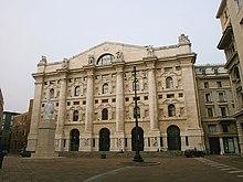 Palazzo Mezzanotte, sito a Milano, è l'edificio che ospita la Borsa Italiana