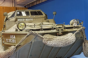 Paris - Retromobile 2012 - DUKW - 004.jpg