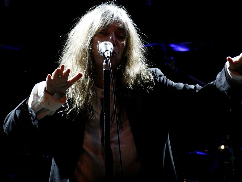 File:Patti Smith performing at Roundhouse, London.jpg