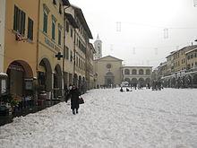 Piazza Marsilio Ficino dopo una nevicata