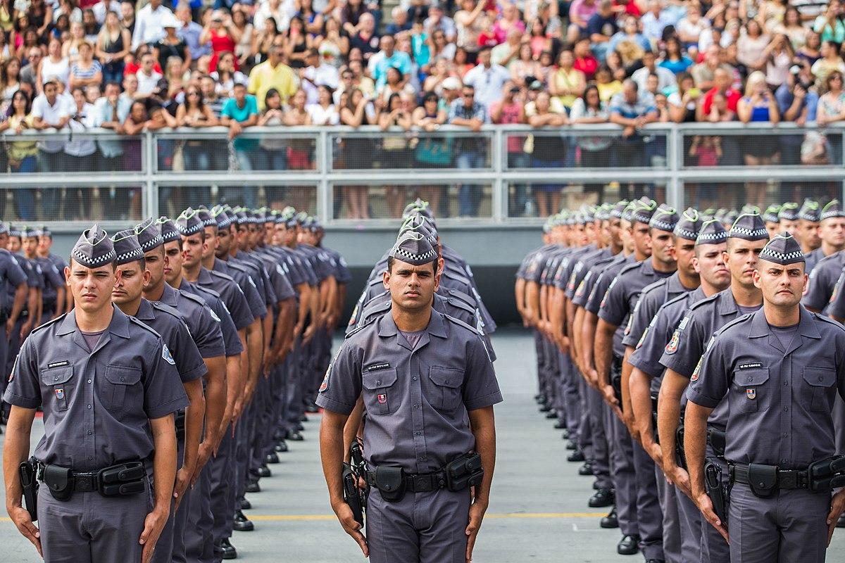 Foto de policiais militares
