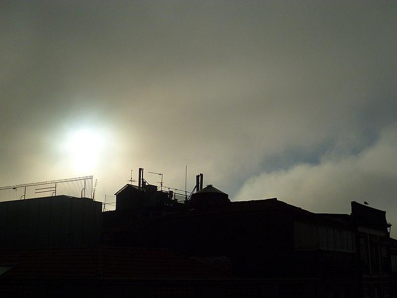 File:Porto in november (8432854672).jpg