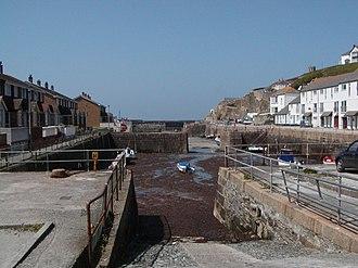 Portreath - Image: Portreath Haven ebb