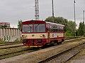 Praha-Zličín, vůz 810 vjíždí do stanice.jpg