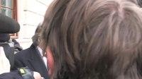 File:Pred obravnavo zadeve Patria na sodišču 30-01-2012.webm
