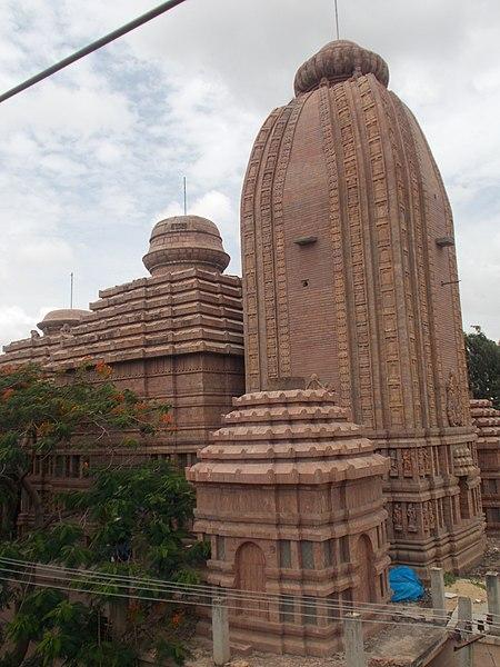 File:Puri Jagannath Temple at Agara.JPG