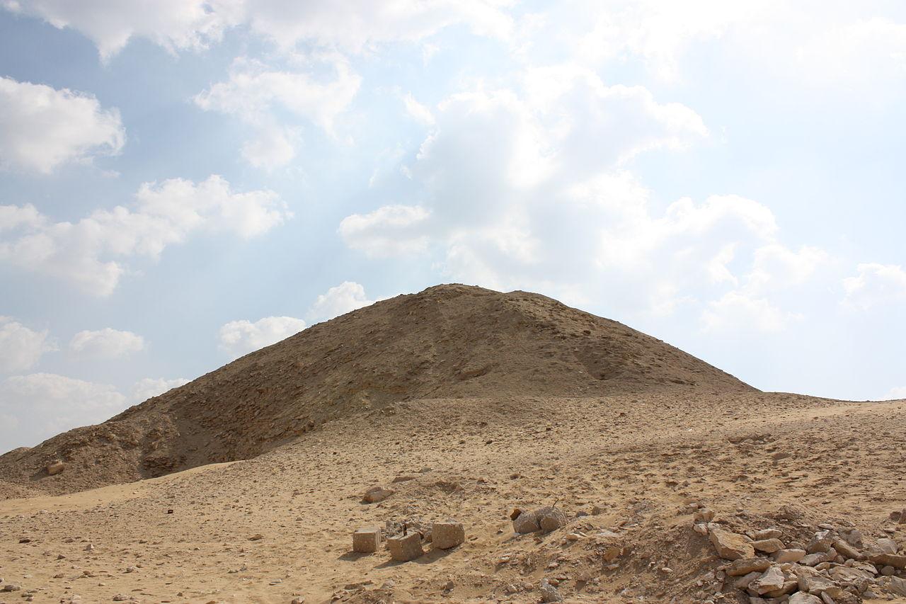 pirámide de Teti 1280px-Pyramid_of_Teti_2010_2