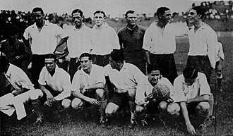 Racing Club de Avellaneda - The 1932 team that won the Copa Beccar Varela.