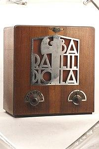 Radioricevitore a valvole, da tavolo - Museo scienza tecnologia Milano D1150 01.jpg