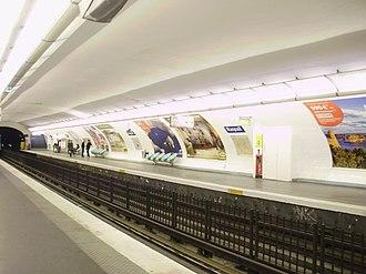 Raspail (Paris Métro) - Image: Raspail métro L4 Pd C 01