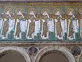 Ravenna, sant'apollinare nuovo, int., sante vergini offerenti, epoca del vescovo agnello, 07.JPG