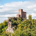 Reichsburg-Trifels.jpg