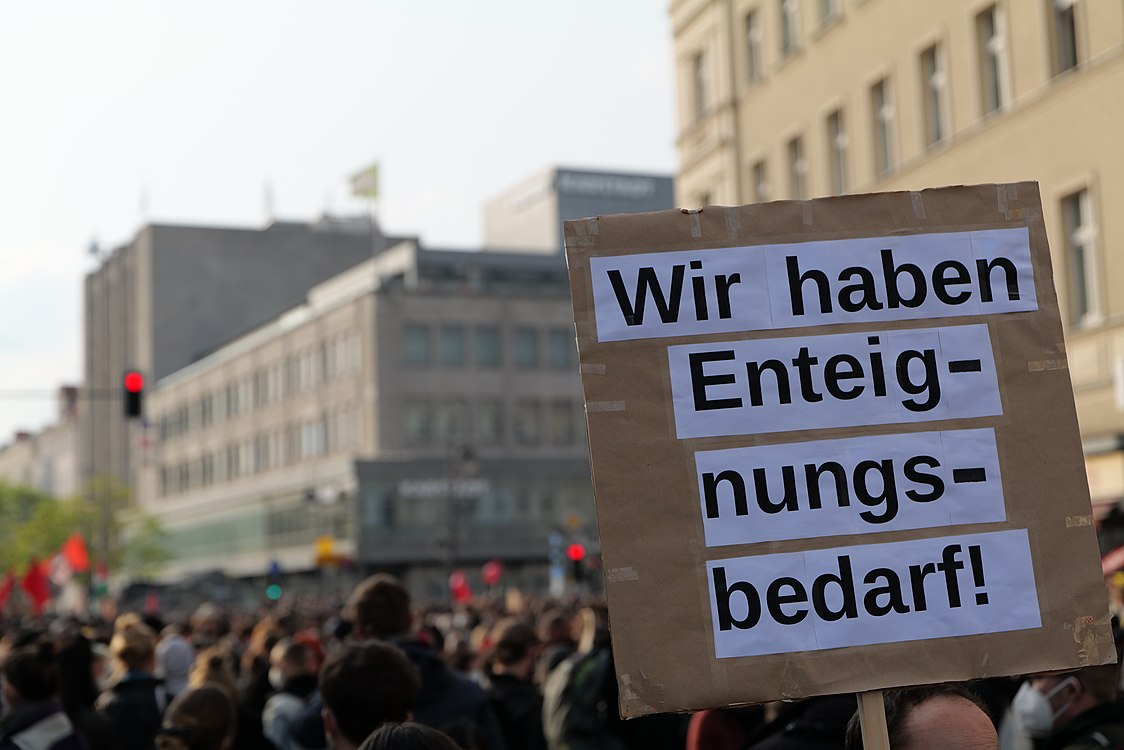 Revolutionary 1st may demonstration Berlin 2021 06.jpg