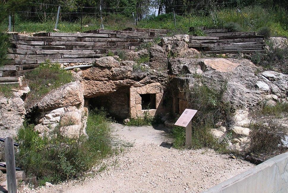 Road-443-burial-cave-34