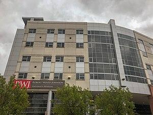 Robert Wood Johnson University Hospital front building