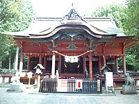 Rokusho-jinja salle principale.jpg