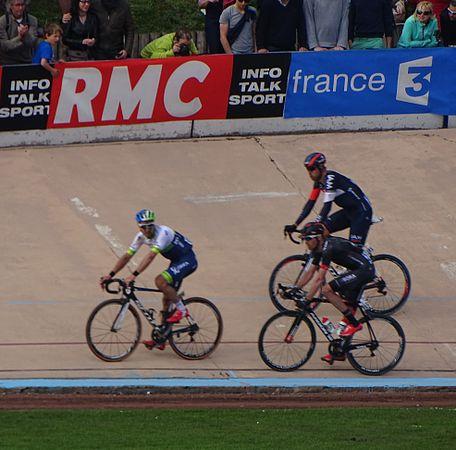 Roubaix - Paris-Roubaix, 12 avril 2015, arrivée (A37).JPG