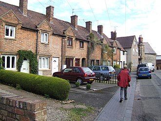 Bengeworth - Image: Row of town cottages in Church Street, Bengeworth, Evesham geograph.org.uk 502867