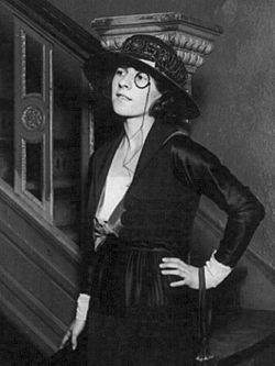 Ruth Gordon 1919.