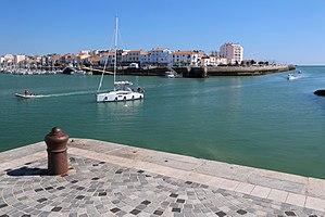 Les Sables-d'Olonne - Image: Sables Olonne entree port 2