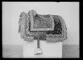 Sadel röd sammet - Livrustkammaren - 18768.tif