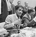 Sammy Davis jr in Nederland, tijdens persconferentie op Schiphol, Sammy Davis , , Bestanddeelnr 916-1967.jpg