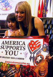 Hilary Duff na jedné z charitativních akcí