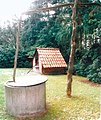 Schlussdorf draw well and oven-house.jpg