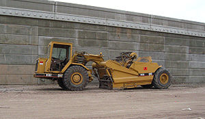 Wheel tractor-scraper - Caterpillar 613C elevating scraper