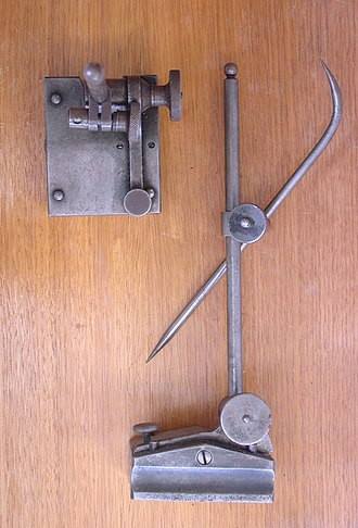 Scriber - A scriber block or surface height gauge
