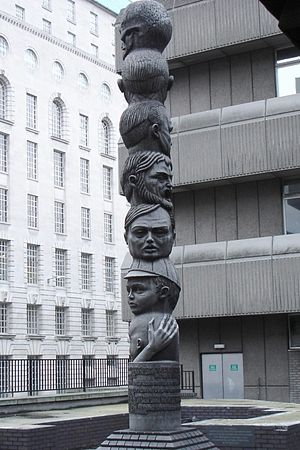 All the world's a stage - Richard Kindersley's sculpture The Seven Ages Of Man in London