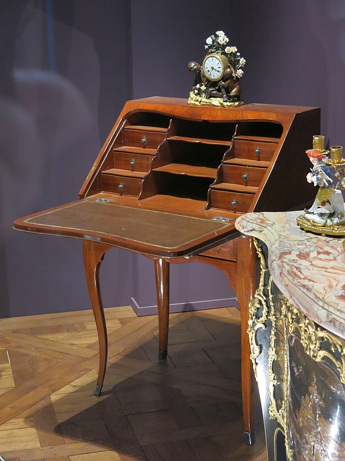 Slan-top desk of the queen of France Marie Leszczynska