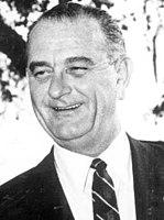 Le sénateur Lyndon B. Johnson en 1960 (rognée) .jpg