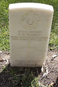 Sergeant E W Fleming gravestone in the Wagga Wagga War Cemetery.jpg